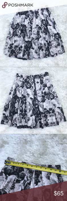 AIDAN MATTOX A-Line Full Pleated Floral Skirt Black white and gray floral flower pattern skirt from Aidan Mattox. Size 0. Sold at Bloomingdales. Aidan Mattox Skirts A-Line or Full