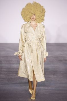 LIFFFEEEE Blonde afro See the complete Ashish Fall 2016 Ready-to-Wear collection.