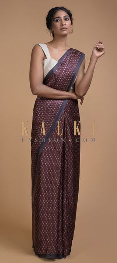 Sangria Purple Saree In Satin Blend With Printed Floral Buttis All Over Online - Kalki Fashion Purple Saree, Plain Saree, Party Wear Sarees, Printed Sarees, Sangria, Indian Wear, Indian Outfits, Tassels, Ethnic