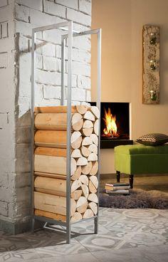 Das dekorative und praktische Kaminholzregal aus Metall hat eine stabile Konstuktation. Man kann dieses Highlight im charmanten Landhausstil in jede Wohneinrichtung integrieren. Es hat genug Stauraum, damit auch Sie ihr Holz lagern können, um schnell an trüben Herbstabenden eine wohltuende Amosphäre zu schaffen. Der Hingucker jeder Einrichtung hat die Maße (B/T/H): je 36/35/140 cm und ist in de...