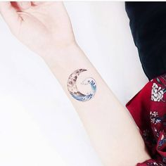 "26 Likes, 4 Comments - Tiny Tattoos (@tattoostiny) on Instagram: ""Wave and half-moon #smalltattooideas #followme #insta #tattoolife #tattooideas #littletattoo…"""