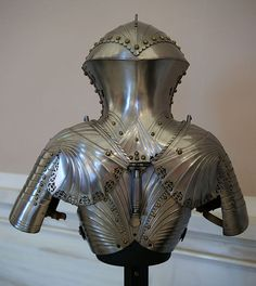 KHM Wien S XI - Jousting armour by Jörg and Lorenz Helmschmid back.jpg, A back view of some jousting armour created for Maximillian I by Jörg and Lorenz Helmschmid, circa 1494. Located in the Kunsthistoriches Museum Neue Burg arms and armour collection. (photo by Sandstein)  You can see and download a huge version of this photo at: http://upload.wikimedia.org/wikipedia/commons/1/11/KHM_Wien_S_XI_-_Jousting_armour_by_Jörg_and_Lorenz_Helmschmid_back.jpg