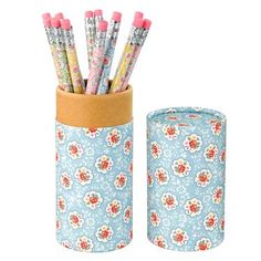 This tube of 12 printed pencils is great to keep handy for when you cant find anything to write with, and the four lovely colours in our Kempton Rose print look lovely too. Matching stationery items also available.
