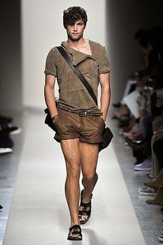 Eye catching leather shorts for men
