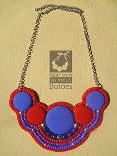 "Statement necklace! Visit on facebook ""Falar com os meus botões""!"
