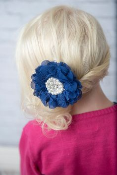 Blue flower hair clip - La Bella Rose Boutique. Girl's hairstyles, christmas hair bows, baby girl hair bows, flower girl hair.