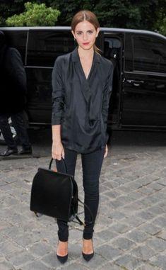 黒コーデがとっても似合う❤︎黒シャツの光沢が大人な色気❤︎黒シャツコーデの参考に
