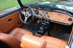 1974 Triumph TR6 Interior. Now that's a nice dashboard.