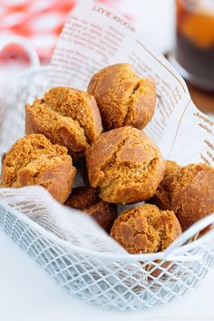 Indulge in one of the tastiest Japanese sweet treats – Sata Andagi or Okinawan doughnuts! These cake-style donuts are crispy on the outside and fluffy on the inside. Easy Japanese Recipes, Asian Recipes, Sweet Recipes, Asian Desserts, Yummy Recipes, Japanese Sweet, Japanese Food, Japanese Donuts, Gourmet