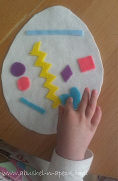 a bushel n a peck: kiddo activity: felt easter egg craft