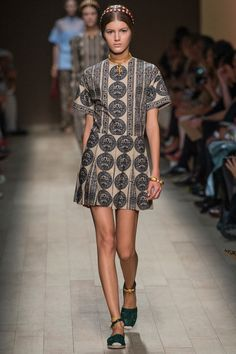 Look 18 | Valentino | Spring 2014 Ready-to-Wear Collection | Style.com