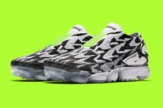 The Vapormax silhouette is getting the spotlight for the second consecutive Air Max Day as this collaboration with German tactical outwear brand ACRONYM lays its sublime touch on the Nike Vapormax Moc This laceless iteration of the stripped down Vaporm Milan Fashion Weeks, New York Fashion, Curvy Petite Fashion, Air Max Day, Silhouette, Fashion Models, Fashion Tips, Runway Fashion, Victorias Secret Models, Slippers, Social Networks, Places
