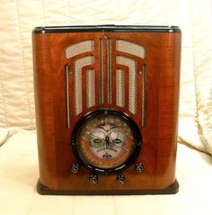 Old Antique Wood Climax Vintage Tube Radio - Restored Working Art Deco Tombstone. eBay auction ends tonight at 10:30 eastern!