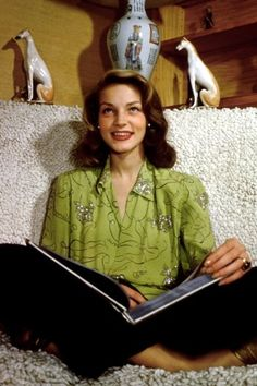 Broadway to Dim Lights for Lauren Bacall