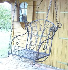 Metal floating bench in black, ideal for decorating the garden entrance … - Do Garden Metal Patio Furniture, Iron Furniture, Victorian Furniture, Garden Furniture, Garden Gates And Fencing, Wrought Iron Decor, Garden Entrance, Wicker Chairs, Wall Decor Pictures