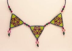 Statement Necklaces – Triangle necklace in green and magenta – a unique product by DarkEyedJewels on DaWanda