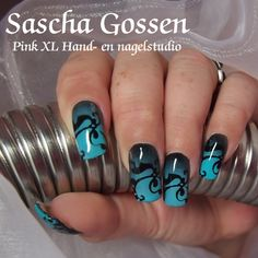 17+awesome+designs+with+Airbrush+Nails