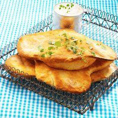 Nan er et mykt, flatt brød, som opprinnelig stammer fra det nordvestlige India, men er også vanlig i for eksempel Pakistan, Iran og Afganistan. Nan bakes med melk eller yoghurt. Ekte nan stekes ved høy temperatur i en tandooriovn, men det går helt fint å lage deilige nanbrød i en moderne stekeovn.