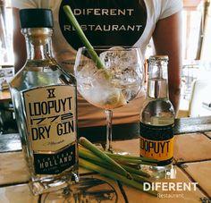 "Just arrived in Restaurant Diferent Mallorca ""Loopuyt gin"" from Schiedam #loopuytgin #restaurantdiferent #gin #happy #gintonic"