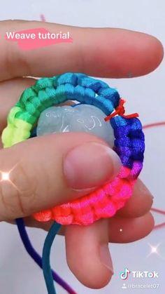 Rope Jewelry, Wire Jewelry Designs, Fabric Jewelry, Lanyard Crafts, Bracelet Crafts, Jewelry Crafts, Cute Friendship Bracelets, Friendship Bracelet Patterns, Diy Bracelets Easy