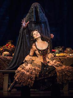Elena Bakhtiyarova and Ivan Ozhogin in <i>The Phantom of the Opera</i>. Broadway Theatre, Musical Theatre, Musicals Broadway, Paris Opera House, Organ Music, Music Of The Night, Love Never Dies, Types Of Music, Phantom Of The Opera