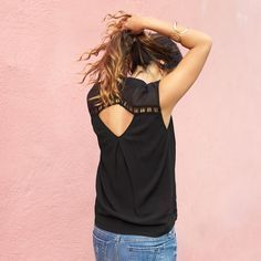 I like the open back detail on this top