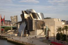 Zona-Arquitectura: Museo Guggenheim_Bilbao_España #Arquitectura