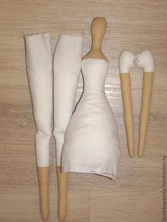 Anjo Tilda com macacão   Autor e todos os créditos: Natalia Karpovich     Vai precisar de tecidos de algodão ou similar branco e bege, ...