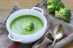 Petite purée aux brocolis et jambon. Plus de recettes pour bébé sur www.enviedebienmanger.fr/idees-recettes/recettes-pour-bebe