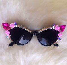 *Cat eye sunglasses*Hot pink Swarovski tear drop stones*Porcelain Pink Roses*Swarovski AB Trim*these are one of a kind and ship out next day* Funky Glasses, Cute Glasses, Glasses Frames, Cat Eye Sunglasses, Sunglasses Women, Vintage Sunglasses, Cat Eye Colors, Fashion Eye Glasses, Swagg