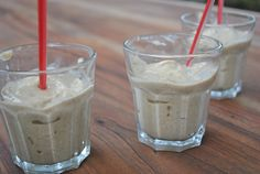 oatmeal cookie smoothie - raw, vegan, gluten-free, and delish.
