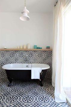 Maioliche grigie in bagno