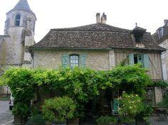 Issigeac, lovely medieval village in Lot-et-Garonne