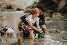 This Couple's Engagement Shoot Depicts the Simple Filipino Life and We Love It! Country Engagement Pictures, Engagement Photo Poses, Fall Engagement, Engagement Shoots, Engagement Photography, Filipiniana Wedding Theme, Filipino Culture, Pre Wedding Photoshoot, Wedding Planning Tips