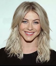 Love This Color Julianne Hough Blonde Hair For Cool Skin Tones