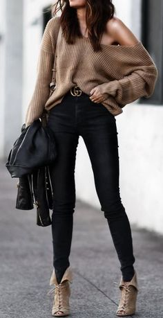 This fall and winter sweater and gucci belt outfit is so cute!
