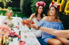 Rosé All Day | Garden party | Tablescape | Roses and peonies | Flower crowns | Gold cutlery | Party ideas | HOORAY! Magazine