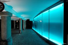 Wir erwecken Ihre Glasträume - oft mittels Eigenentwicklungen und Engineering - zum Leben.  Ob Sie Glas als tragendes Element, als Verkleidung, Schutz oder dekoratives Element wünschen: Wir machen es möglich. Desktop Screenshot, Design, Glass Building, Make It Happen, Panelling, Life