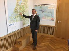 """""""De heer Dirk Heijkoop is de nieuwe burgemeester van Hardinxveld-Giessendam. Gefeliciteerd!"""""""