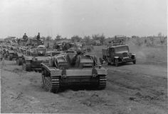 Kharkov, February 1943 - one of the last successful large scale armoured offensives of the Panzerwaffe: Stu III in the foreground.