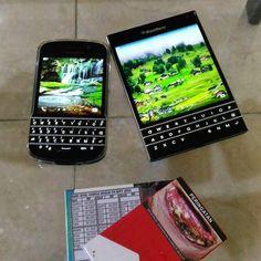 BlackBerry Q10 y BlackBerry Passport #PoweredByBlackBerry #XtremeBBerry #BBEliteWin #Luxury #Amazing #LifeStyle #ILoveBB10 #LoveBlackBerry #IChooseBlackBerry #BlackBerryForLife #Nice #LuxuryBlackBerry #BB10 #TeamBlackBerry #BlackBerryPassport #WeAreBlackBerry #WorkWide  _________________________________  #ReGram @ferrysoewandi: #blackberrypassport #blackberryq10