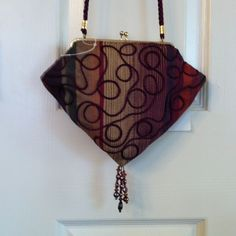 Host Pichandbag With Beads, Gold Clasp