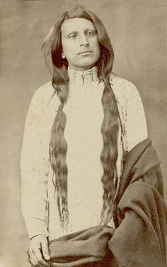Red Shirt ~ Oglala Sioux ~ Red Shirt (Ógle Lúta c. 1845 – served in the capacity of chief at two Sioux peace delegations to Washington in 1870 and in He was officially appointed chief of the Oglala at the Pine Ridge Agency in Native American Pictures, Native American Beauty, Native American Tribes, Native American History, American Indians, Native Americans, American Symbols, Oglala Sioux, Navajo