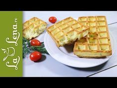 c Waffles, Food And Drink, Tupperware, Breakfast, Creamed Cabbage, Pork, Pineapple, Salads, Morning Coffee