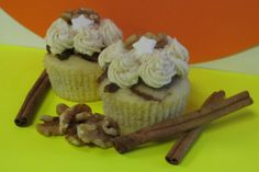 Cinnamon Roll Cupcake Our brand new flavor: Sami's Cinnamon Roll! The result of a very successful challenge, our cinnamon-swirled cupcake is topped with a crunchy brown sugar-walnut glaze and a light espresso buttercream. This dreamy dessert is how everyone should start their day!