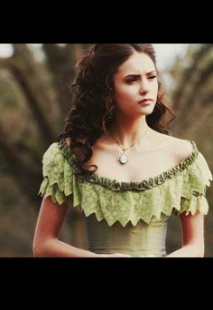 Katherine Pierce [Nina Dobrev] I love the top of the dress. Katherine Pierce, Ian Somerhalder, Vampire Diaries, Nina Dobrev Hair, Dark Bohemian, She Walks In Beauty, Favim, Celebs, Celebrities