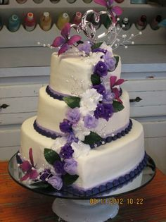 Dark & Light Purple floral cascade with seed pearl stems heart cake