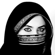 When the need to succeed is as bad as the need to breathe, then you'll be successful. Arabian Eyes, Arabian Beauty, Arabian Nights, Beautiful Hijab, Beautiful Eyes, Beautiful People, Beauty Around The World, People Around The World, Arab Girls