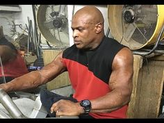 Ronnie Coleman Training Again after 6 Months Layoff Due to Back Surgery 2016…