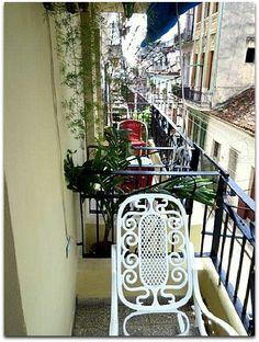 Balcón de la vivienda. Cuba, Stairs, Furniture, Home Decor, Havana, Apartments, Stairway, Decoration Home, Room Decor